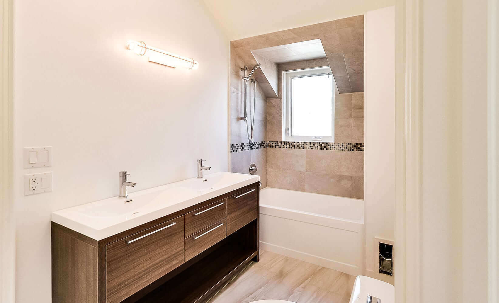 36 Manor Haven Washroom